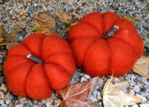Felted Pumpkin Pair